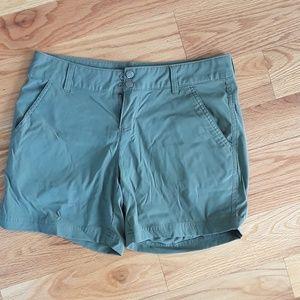 Columbia Women's Green Omni Shield Shorts size 8